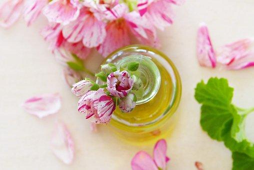 Aceite esencial manzanilla con flores